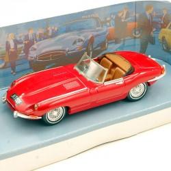 Jaguar Type E 1968 - Dinky Toys - 1/43ème