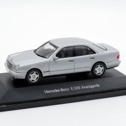 Mercedes Benz E320 Avangarde - 1/43 ème En boite