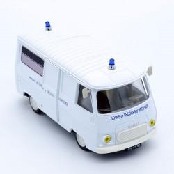 Peugeot J7 Ambulance - Norev - 1/43ème sous blister