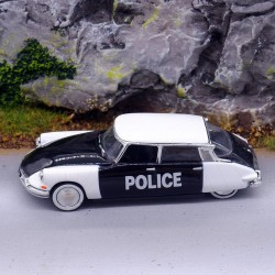 """Citroen DS 19 """"Police"""" - Universal Hobbies - 1/87ème en boite"""
