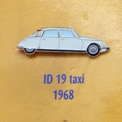 Pin's Citroen ID 19 Taxi 1968