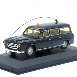 Peugeot 403 noire...