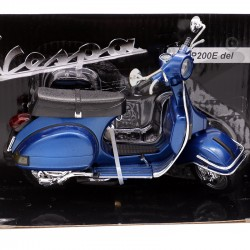 Vespa P200E del - New Ray -...