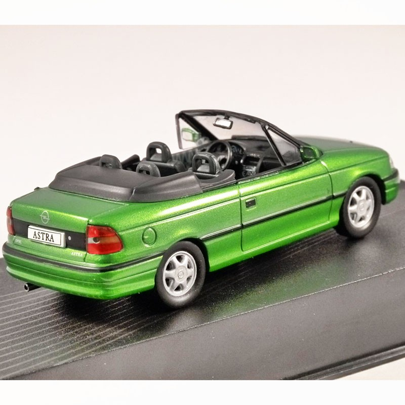 opel astra f cabriolet 1992 1 43 en boite miniatures. Black Bedroom Furniture Sets. Home Design Ideas