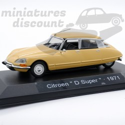 "Citroën DS 21 ""D Super""..."