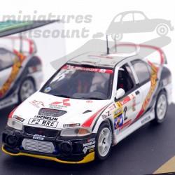 Mitsubishi Carisma GT -...
