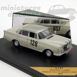 Mercedes 220SE - Winner...