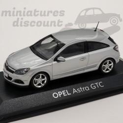 Opel Astra GTC - Minichamps...