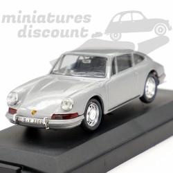 Porsche 911 de 1964 (grise)...
