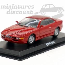BMW 850i - 1/43ème sur socle
