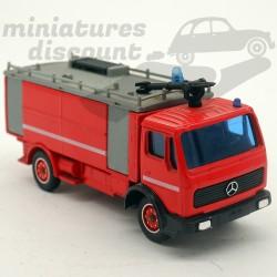 Camion Mercedes - Solido -...
