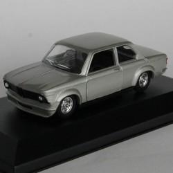 BMW de 2002 - Solido - au 1/43 en boite