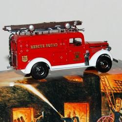 Camion de Pompier GMC Van 1937 Matchbox - 1/43 en boite