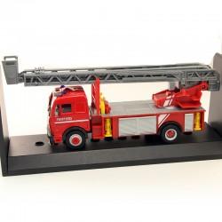 Camion Grande Echelle Pompiers Mercedes - 1/43eme en boite