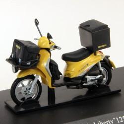 Rare, Cyclomoteur Piaggio Liberty 125CC - 2005 - La Poste - 1/43eme