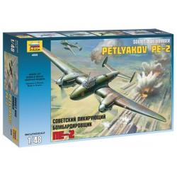 Zvezda - Soviet Dive Bomber Petlyakov PE-2 - 1/48