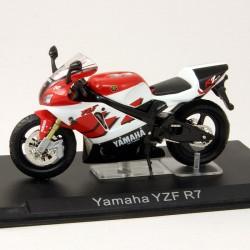 Yamaha YZF R7 - 1/24ème En boite