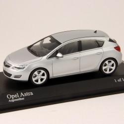 Opel Astra - Minichamps - 1/43ème En boite