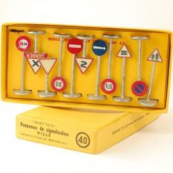 Panneaux routiers - Dinky Toys - En Boite 1/43ème