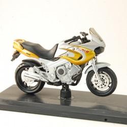 Yamaha 850 TDM - Maisto - 1/18ème en boite