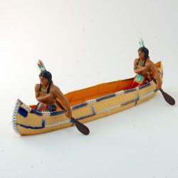 Pirogue beige avec deux indiens - 4.6 cm