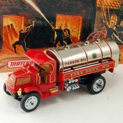 Camion de Pompier 1923 Mack AC Water Tanker - Matchbox - 1/43 en boite